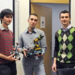 Роботи се разхождат в учебните зали на Американския университет в България