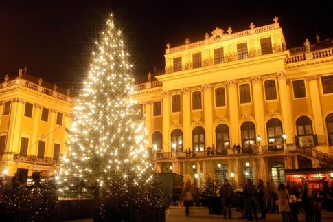 weihnachtsmarkt-wien-schloss-schoenbrunn