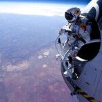Австриецът Феликс Баумгартнер скочи с балон от стратосферата