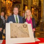 Шварценегер подпомага културата като патрон на историческа карта