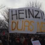 Новото австрийско правителство се сблъска с протести още в първия си работен ден