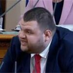 Делян Пеевски: Цветан Василев пише сценарии за сериалчета във Виена с неговите платени приятелчета клакьори