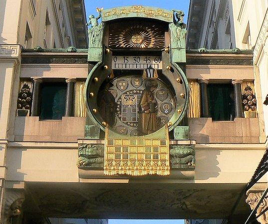 Часовникъ на Анкер, Виена