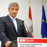 Финансовият министър на Австрия подаде оставка