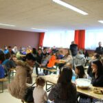 """Децата от българско училище """"Дунав"""" в Линц изработиха сурвачки"""