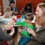 """Баба Марта посети децата от българско училище """"Дунав"""" в Линц"""