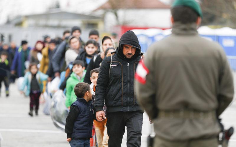 Според гражданите на ЕС делът на мигрантите е двойно по-висок от действителния