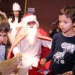 """Дядо Коледа зарадва децата от българско училище """"Дунав"""" в Линц и Залцбург"""