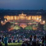Виенската филхармония отново ще подари на своите почитатели безплатен концерт в парка на двореца Шьонбрун