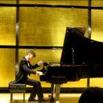 13-годишният пианист Борис Биков свири в Музикферейн