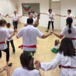 """Българското училище """"Н.Й.Вапцаров"""" в Грац се присъедини към инициативата """"Розите на България"""""""