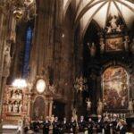 """Ангелските гласове на певците от камерен хор """"Йоан Кукузел"""" изпълниха катедралата """"Св.Стефан"""" във Виена"""
