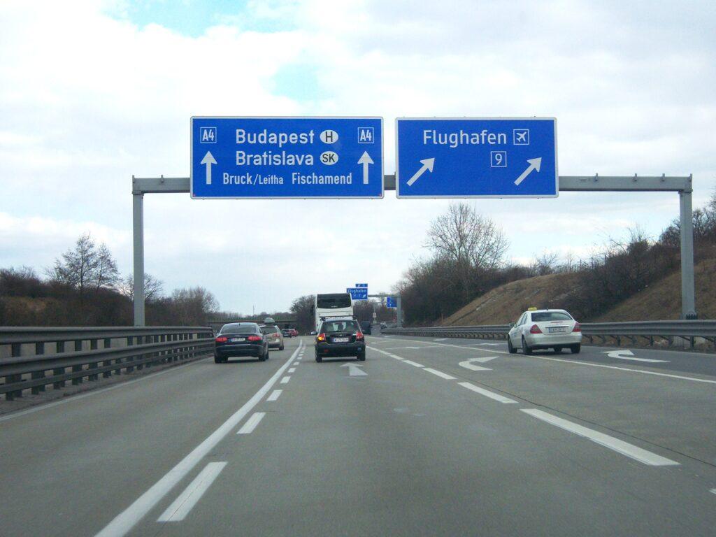магистрала А4, отклонение за летище Виена, Швехат