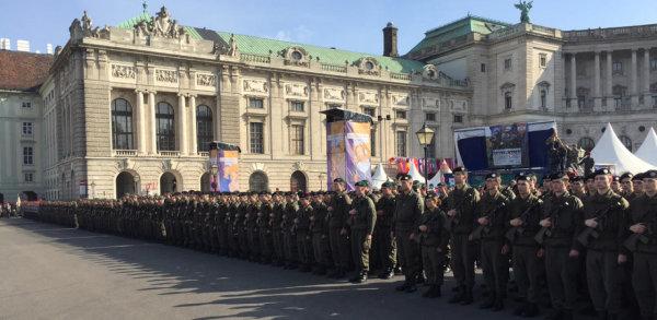 С демонстрация на военна техника и безплатни музеи Австрия отбелязва своя националния празник