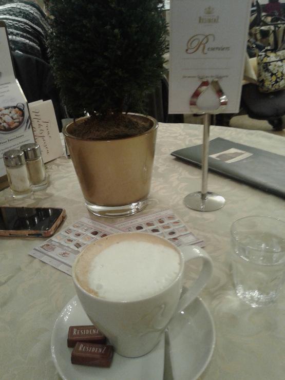 Natalia Delcheva_Cafe Residenz1