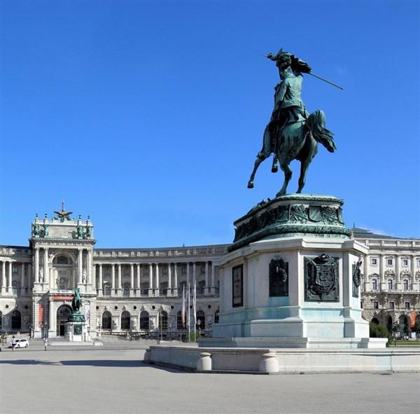 Denkmal_Hofburg1 (600 x 591)