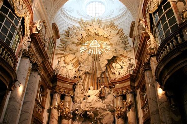 Karlskirche_inside
