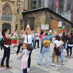 Виена: Десетки българи участваха в протестно шествие с искане на оставка на премиера Борисов
