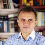 Емил Ценов: Десет въпроса за писането, историята и ролята на случайностите в живота