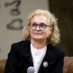 Жанина Драгостинова: Десет въпроса за 44 вълнуващи истории за булчински рокли и любов