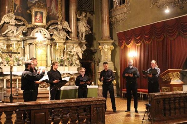 """концерт на вокален ансамбъл """"Православие"""" в Пауланеркирхе, Виена"""