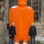 "Гигантски пуловер замества плащеницата в катедралата ""Св.Стефан"""
